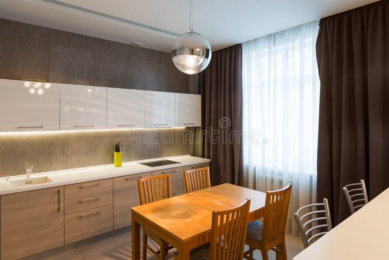 Nowożytny kuchenny wnętrze w nowym luksusu domu, mieszkanie ilustracja wektor