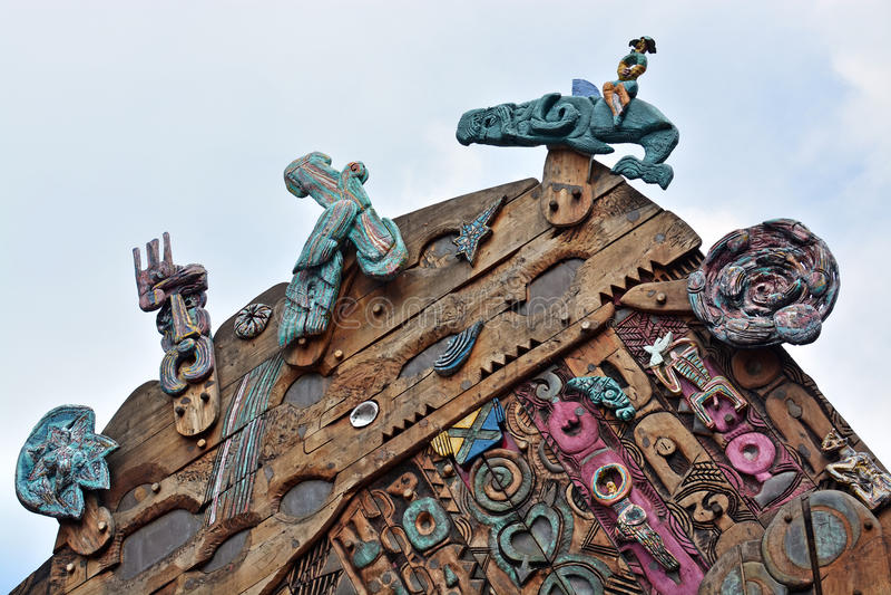 Nowożytny Maoryjski Drewniany cyzelowanie w Aotea kwadracie Auckland obraz royalty free