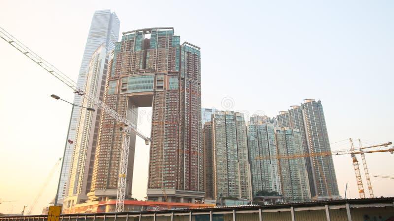 Nowożytny mieszkaniowy i budynki biurowi drapacze chmur w Hong Kong Osiągnięcia w polu budowa fotografia stock