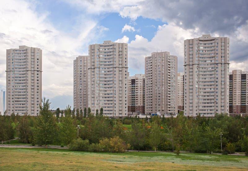 Nowożytny mieszkaniowy kompleks w Astana kazakhstan zdjęcia stock