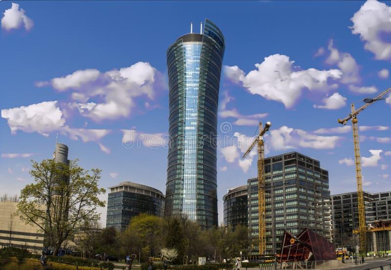 Nowożytny oszklony biura wierza w Warsaw zdjęcia royalty free