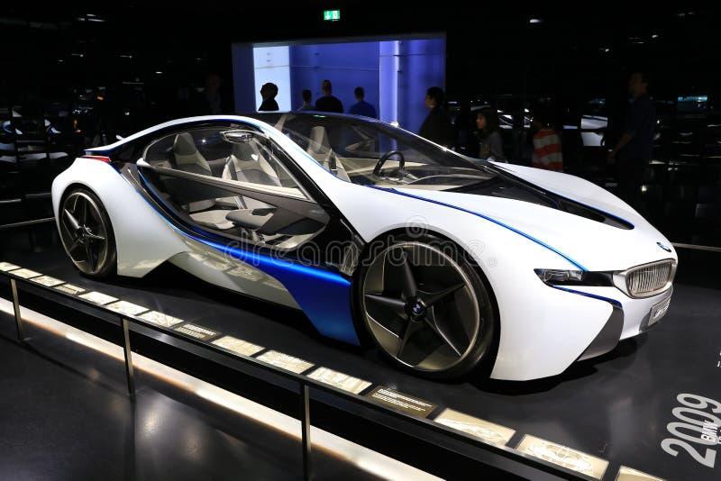 Nowożytny pojazd pojęcie terenówka BMW zdjęcia stock