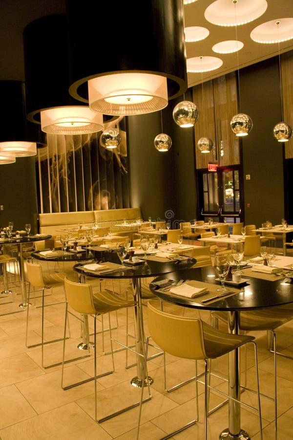 Nowożytny restauracyjny wnętrze fotografia royalty free