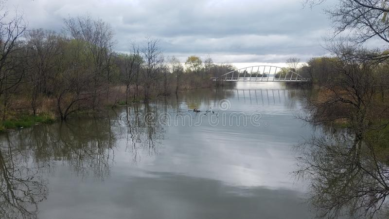 Nowożytny rzeka most w Kanada obraz stock