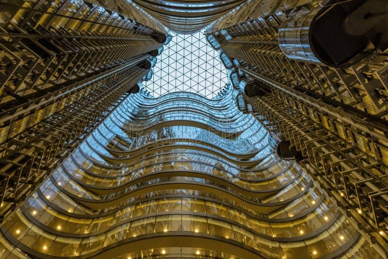 Nowożytny szkła i stali wysokiego wzrosta builoding wnętrze zdjęcie royalty free