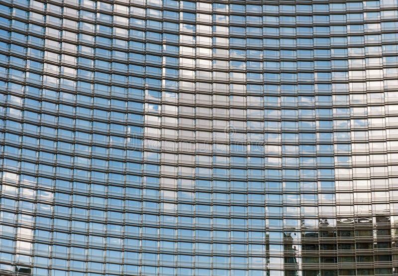 Nowożytny szklany drapacza chmur budynek zdjęcia royalty free