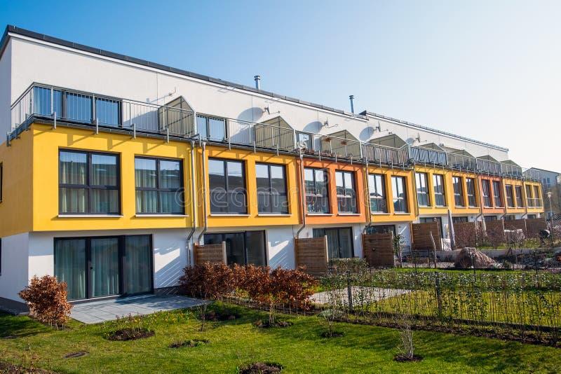 Nowożytny tarasowaty budynek mieszkalny w Berlin fotografia stock