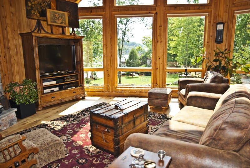 nowożytny terenu dom rodzinny zdjęcie stock