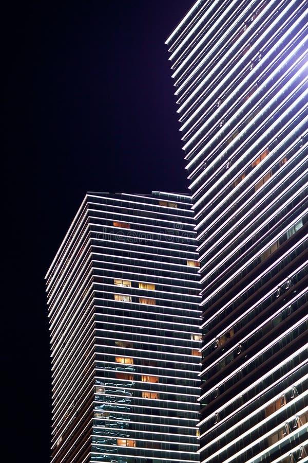 Nowożytny wieżowiec noc astana kazakhstan obrazy stock