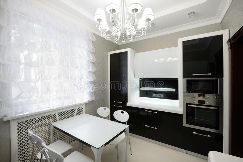 Nowożytny wnętrze. Kuchnia zdjęcie royalty free