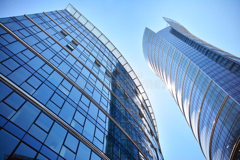 Nowo?ytna korporacyjna architektura - biznesu i sukcesu poj?cie zdjęcie stock