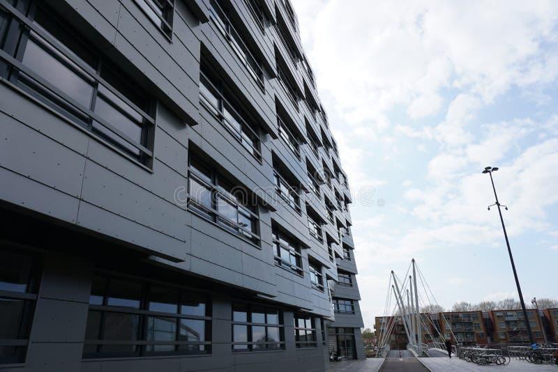 Nowo?ytny budynek mieszkaniowy w Almere holandie obrazy royalty free