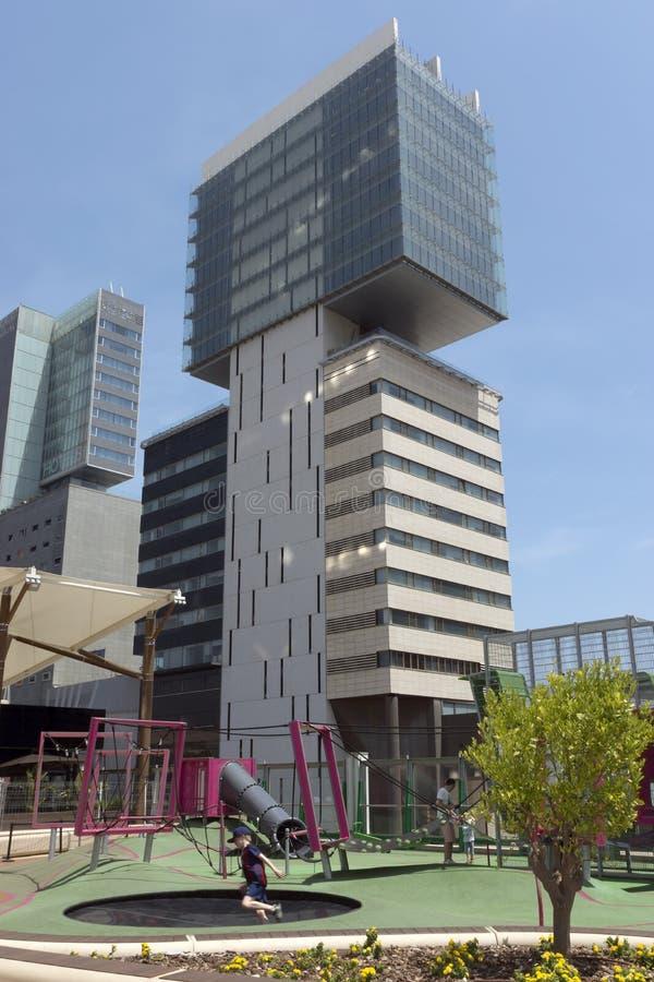 Download Nowoczesna architektura fotografia editorial. Obraz złożonej z ulica - 57671472