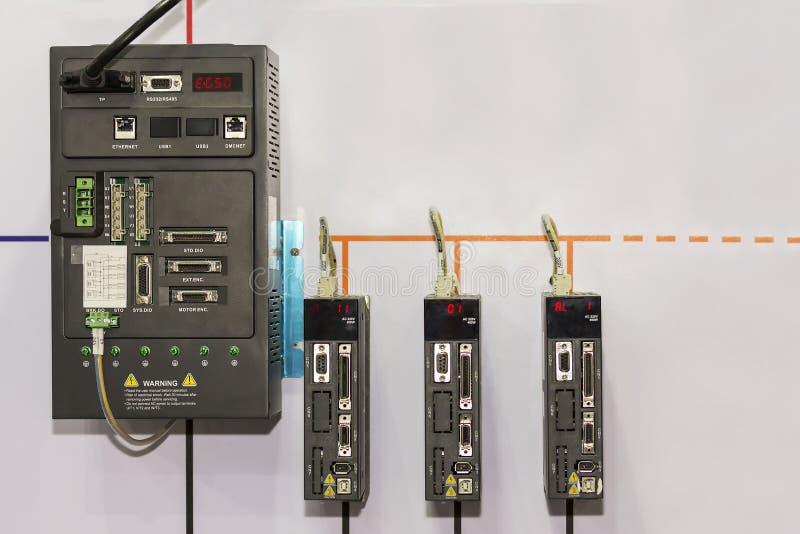 Nowoczesna technologia i postępowego wyposażenia logiki kontrolera PLC robota automatyczny Programmable kontroler dla przemysłowe fotografia royalty free