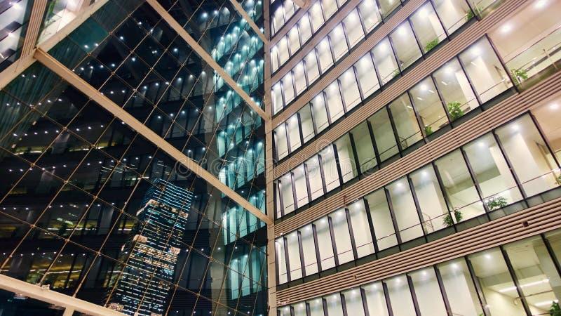 nowoczesne wewnętrznego urzędu budynku obraz royalty free