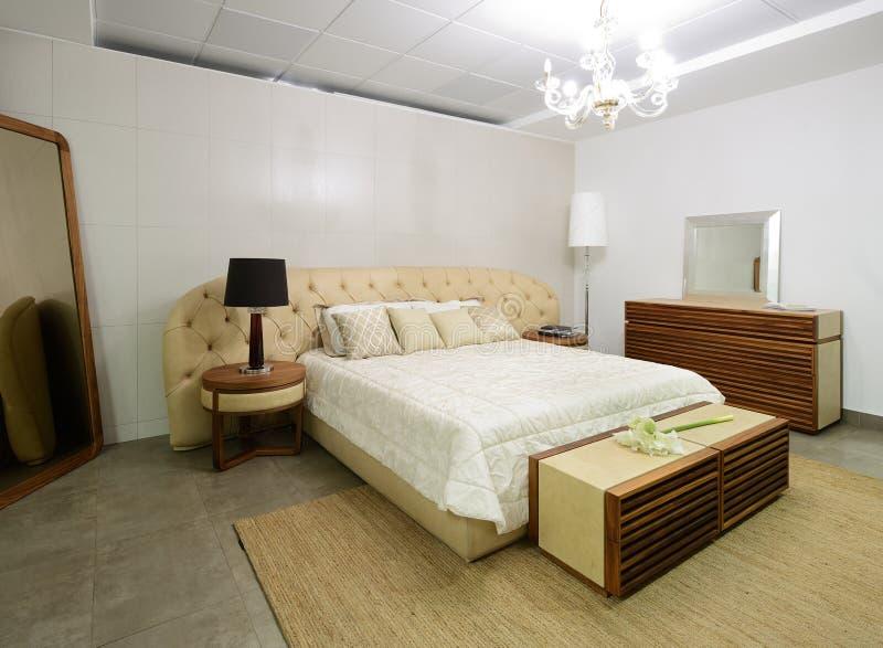 nowoczesne wnętrze sypialnia zdjęcie royalty free