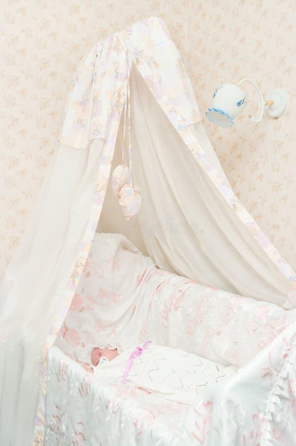 nowonarodzony łóżkowy dziecko fotografia stock