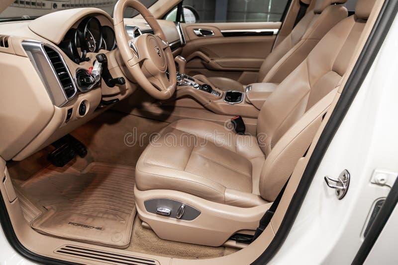 Nowosibirsk, Russland am 22. Juni 2019: Porsche Cayenne lizenzfreies stockfoto