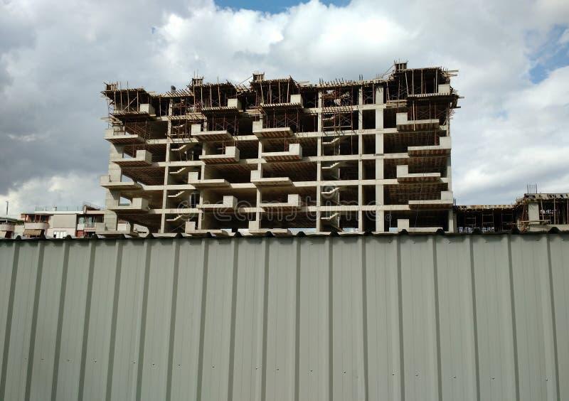 Nowy blok mieszkaniowy w budowie, Tirana, Albania fotografia royalty free