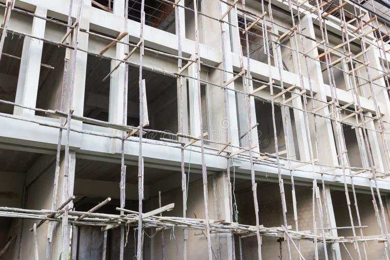 Nowy budynek mieszkaniowy i budowa zdjęcie stock