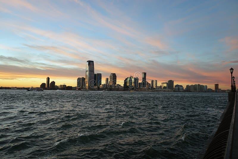 Nowy - bydło od Manhattan Nowy Jork strony z rzeką fotografia royalty free