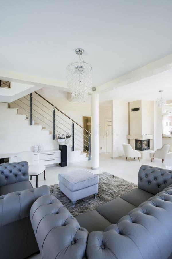 Nowy dom z otwartą przestrzenią obrazy royalty free
