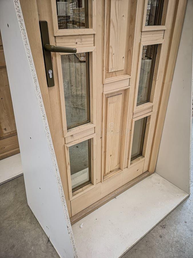 Nowy drzwi w sklepie zdjęcia royalty free