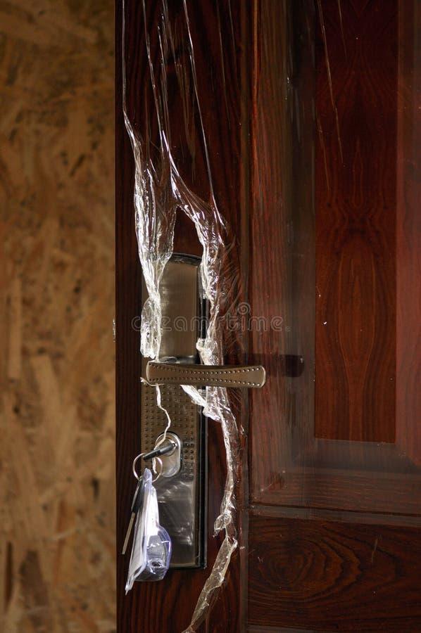 Nowy drzwi z kędziorkiem i kluczem zdjęcia royalty free