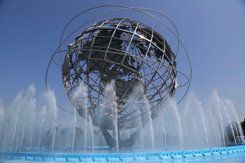 1964 Nowy Jork Światowy ` s Uczciwy Unisphere w Rumienić się łąka parka obraz royalty free