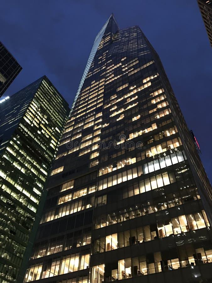 Nowy Jork nieba cyklina przy nocą zdjęcie stock