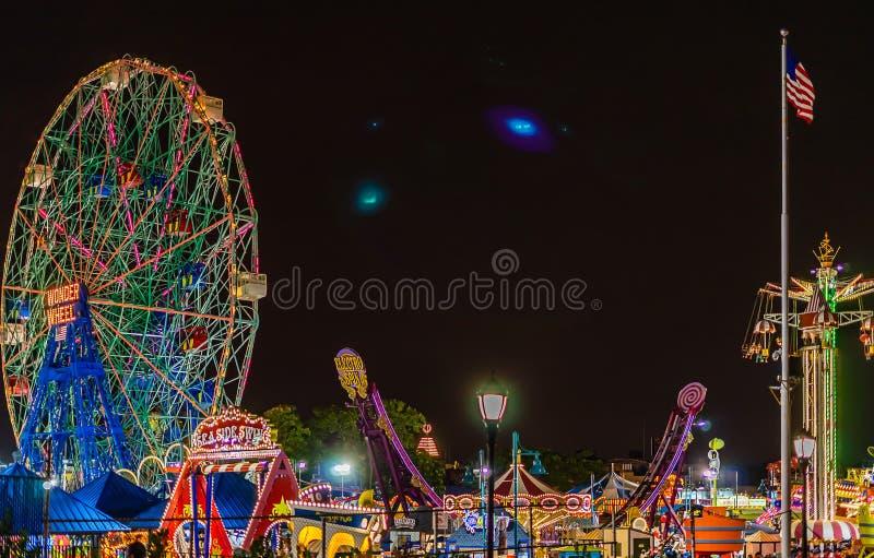 Nowy Jork, NY, usa - Lipiec 8, 2018: Cud Toczy wewnątrz Coney Island Luna parka, Brooklyn, Nowy Jork fotografia stock