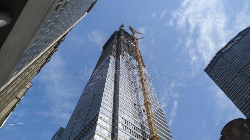 Nowy Jork, NY, usa Nowi drapacze chmur w budowie Budowa z żurawiami, windami i rusztowaniem, obrazy stock