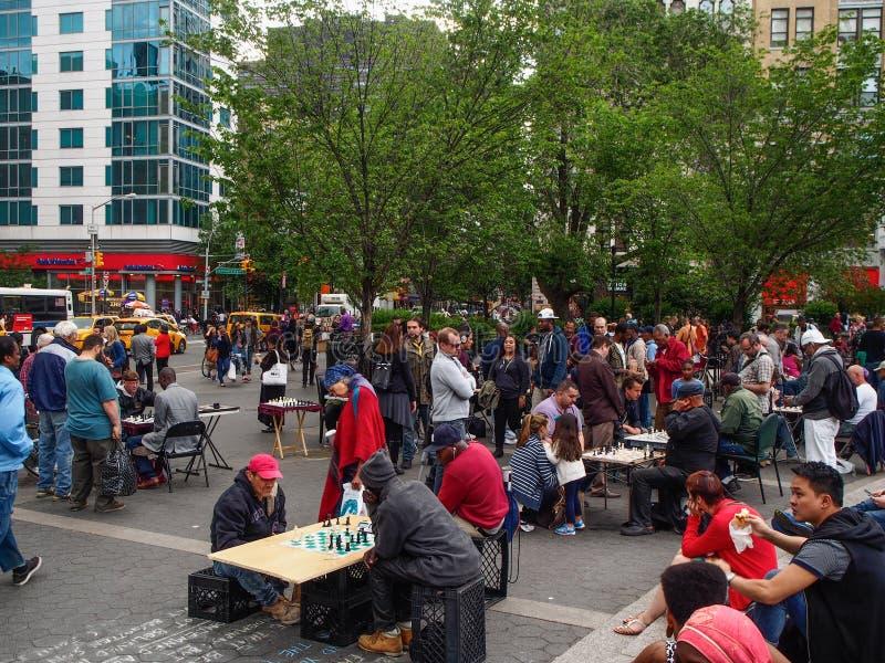 Nowy Jork, Stany Zjednoczone -, ludzie bawi? si? szachy w Union Square w Nowy Jork obrazy stock