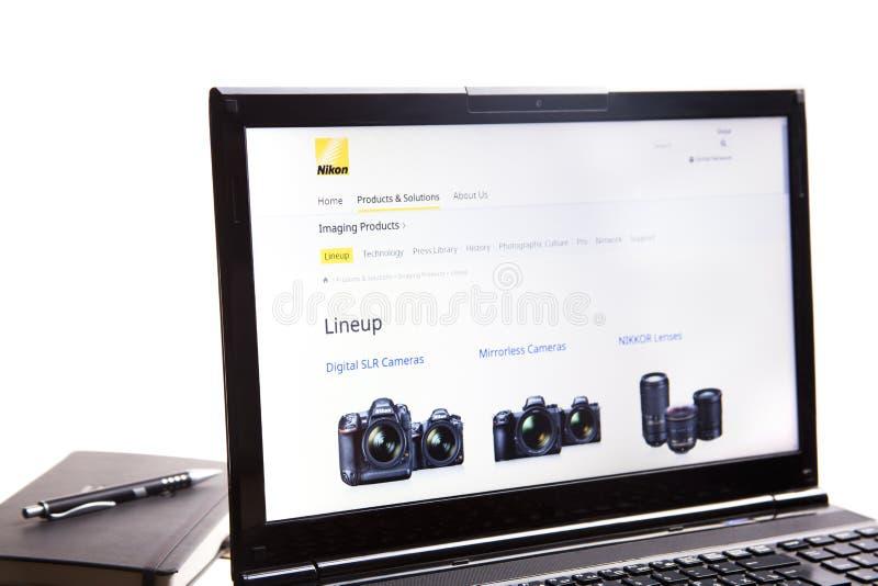 Nowy Jork, usa - Marzec 25, 2019: Illustrative artykuł wstępny strona internetowa widoczna na pokazu ekranie Nikon logo Japo?czyk obrazy stock