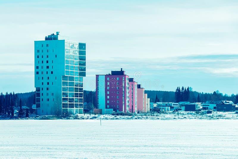 Nowy kompleks budynek mieszkaniowy zima Helsinki w Finlandia, zdjęcie stock