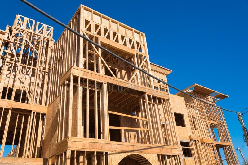 Nowy kondominium lub mieszkanie budowa obrazy stock