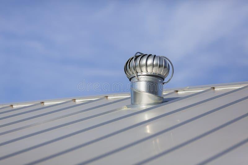 nowy metalu dach zdjęcie stock