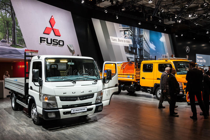 Nowy Mitsubishi Fuso Canter obrazy stock
