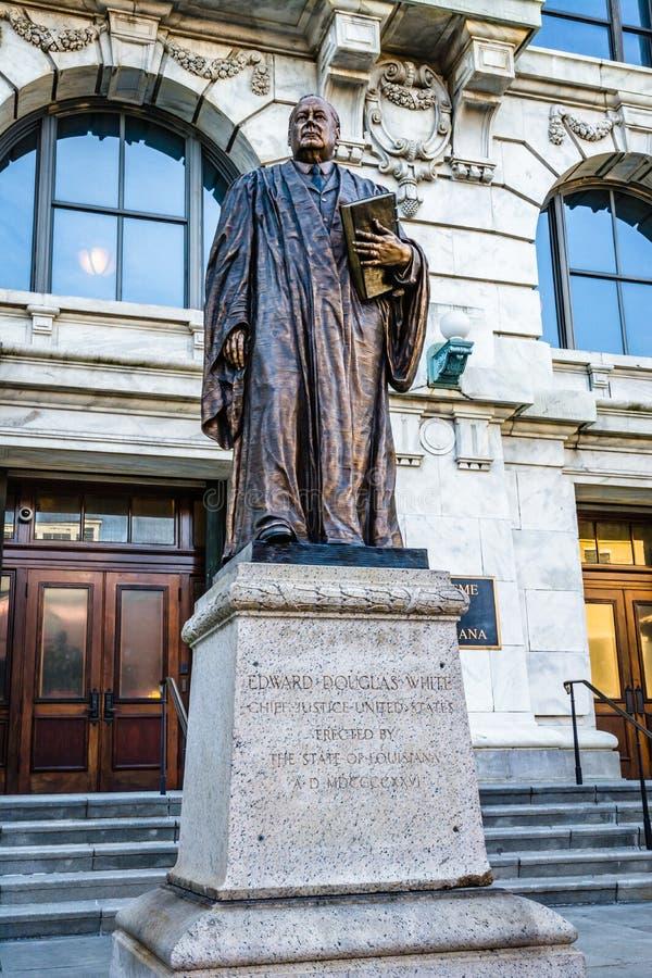 Nowy Orlean, Luizjana: Statua Edward Douglas biel, senator i ninth prezes sądu Stany Zjednoczone, umieszczający w przodzie zdjęcie royalty free