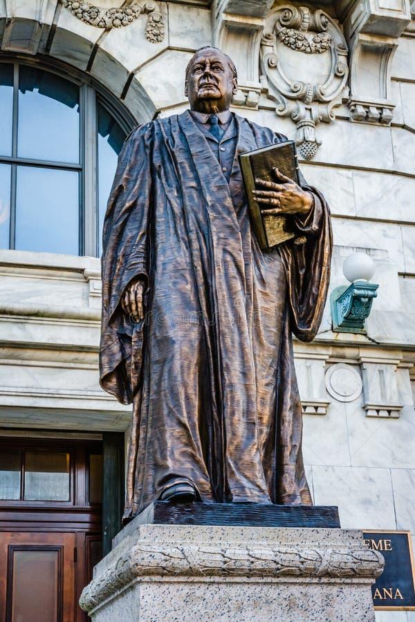 Nowy Orlean, Luizjana: Statua Edward Douglas biel, senator i ninth prezes sądu Stany Zjednoczone, umieszczający w przodzie zdjęcia royalty free