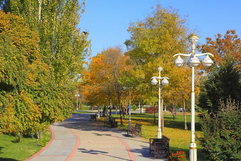 Nowy park w górach Ashkhabad Turkmenistan fotografia royalty free