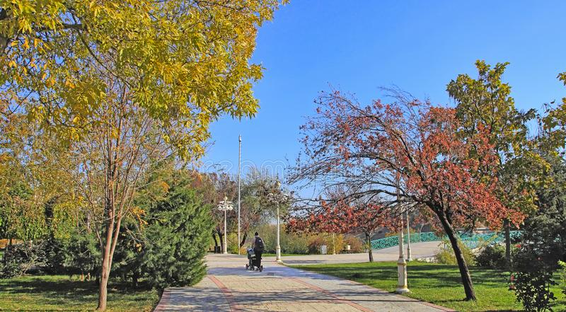 Nowy park w górach Ashkhabad Turkmenistan obrazy royalty free