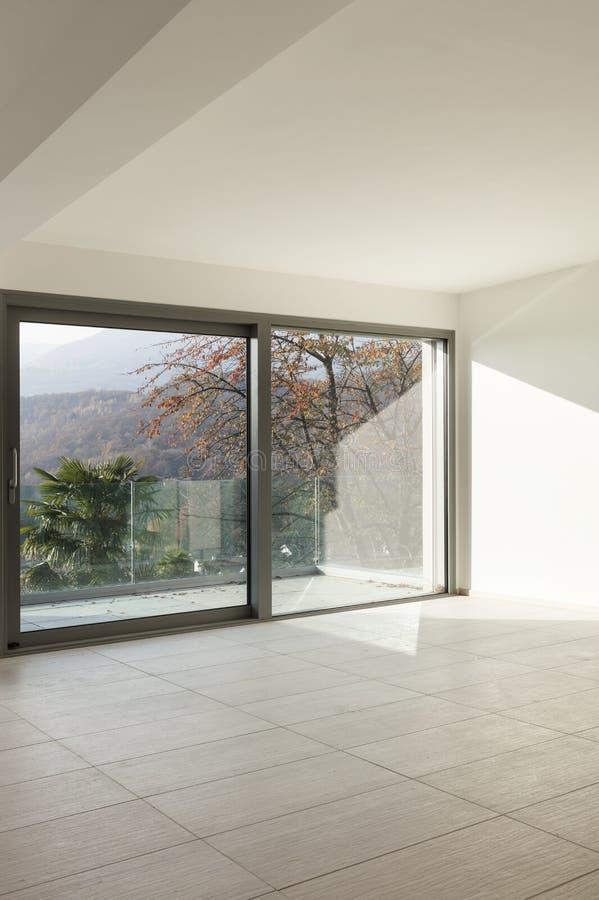 Download Nowy pusty mieszkanie obraz stock. Obraz złożonej z pusty - 28972661