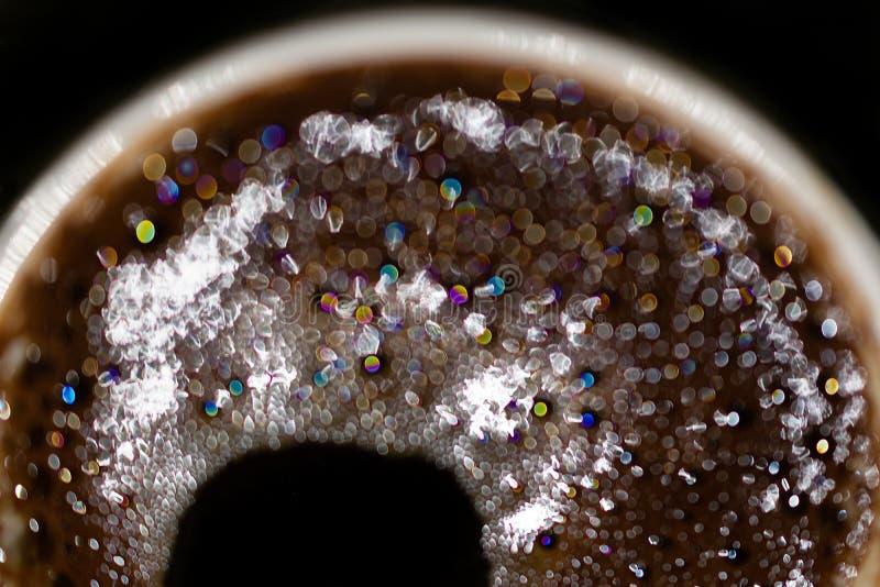 Nowy Rok fajerwerki w filiżance czarna kawa obrazy royalty free