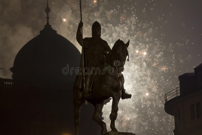 2015 nowy rok fajerwerki wewnątrz za Wenceslas statuą, Praga zdjęcie stock