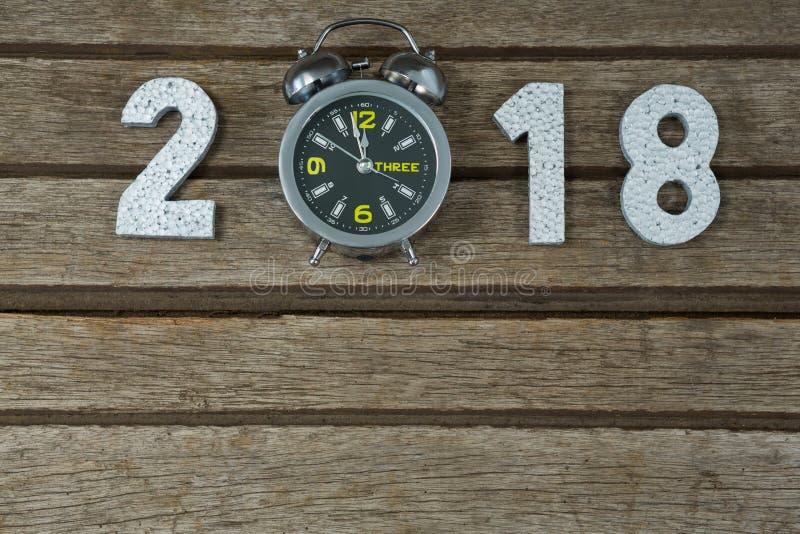 Nowy rok 2018 z zegarowym zasięg 12 00 zegarowa w połowie noc zdjęcie stock