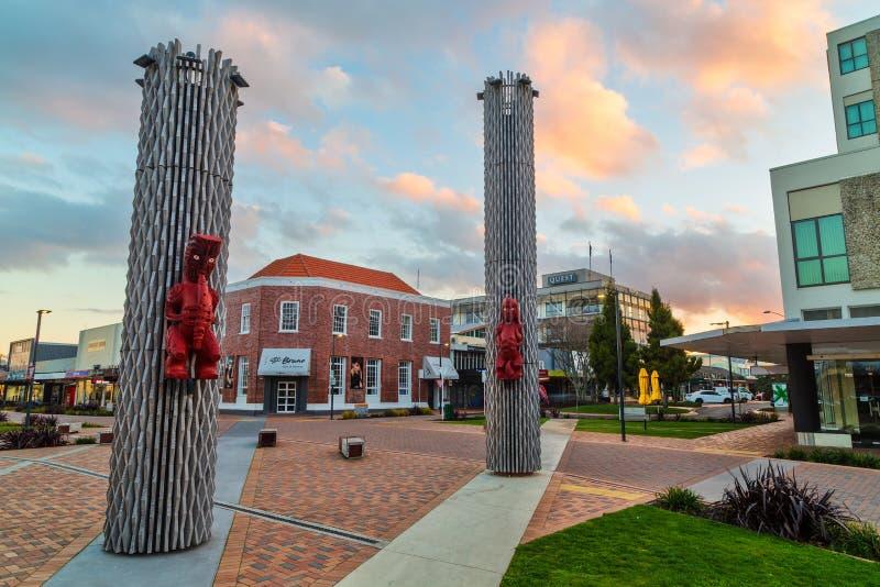 nowy Rotorua Zealand Rzeźby na Tutanekai ulicie zdjęcie stock