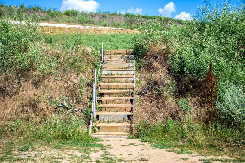 Nowy schody na jawnej plaży plażowi schody obraz stock