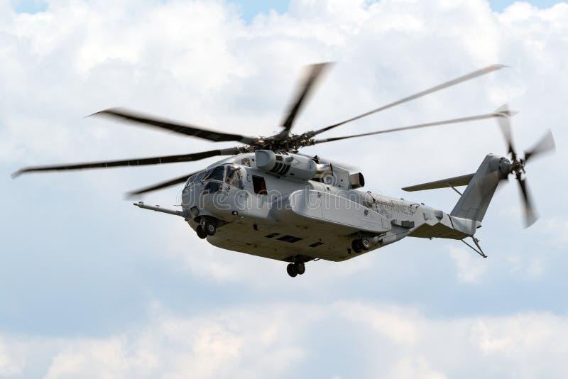 Nowy Sikorsky CH-53K królewiątka ogiera dźwignięcia helikopter obrazy royalty free