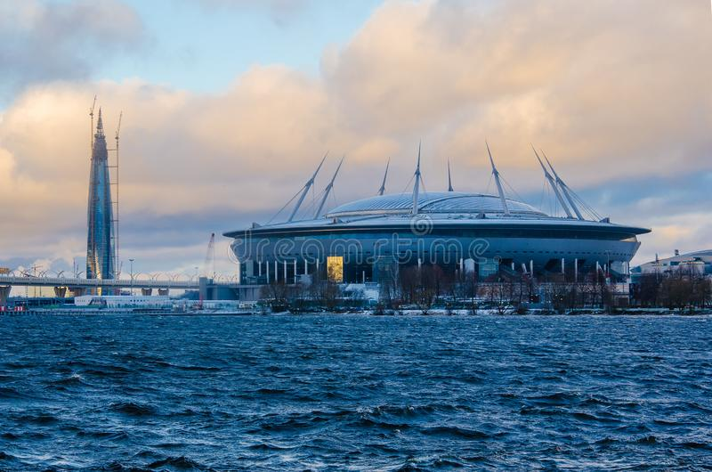 Nowy stadion FC Zenit Gazprom Arena i nowe biuro Gazpromu zdjęcia royalty free